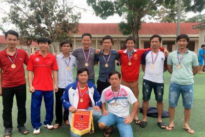 Video đội bóng đá nam giáo viên nhận HC Đồng giải bóng đá THPT năm 2018