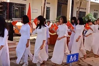Video Lễ đón HS lớp 10 – 1920
